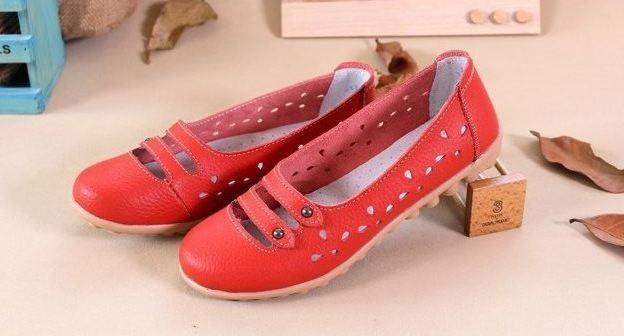 รองเท้าหุ้มส้น ผู้หญิง รองเท้าหนังแท้ ออกแบบ ฉลุลายดอกไม้ รอบ ด้านบนเป็นแบบ สายคาด 2 เส้น สไตล์เกาหลี หวาน ๆ สีแดง no 351745_2