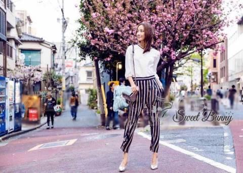 เซ็ทเสื้อ+กางเกง เสื้อเป็นผ้าชีฟองสีขาว กางเกงเป็นผ้าพื้นสีดำเนื้อดีหนามีน้ำหนัก