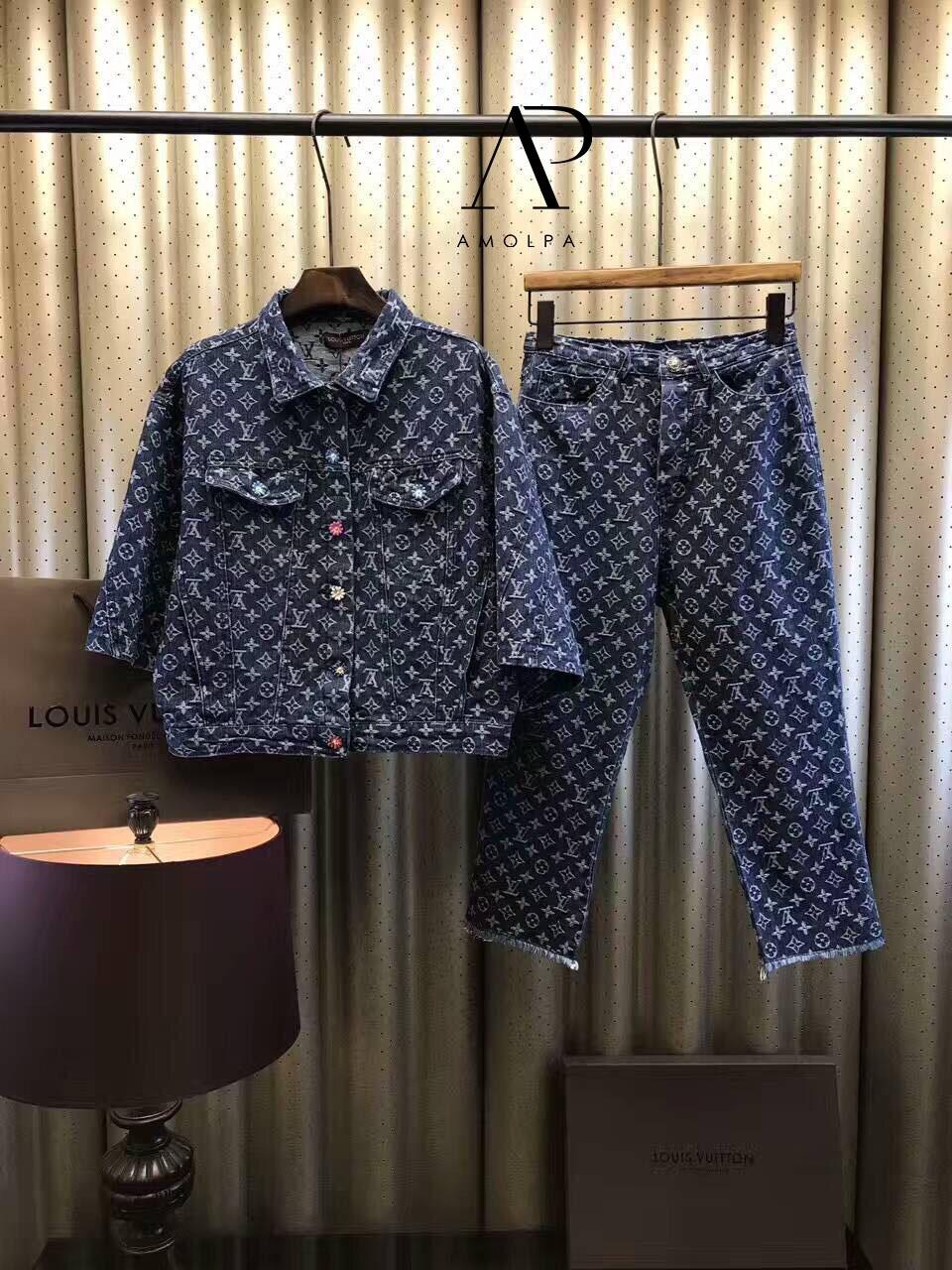 เสื้อผ้าแฟชั่นพร้อมส่ง เซ็ท เสื้อ+กางเกง ยีนส์แท้ 100%