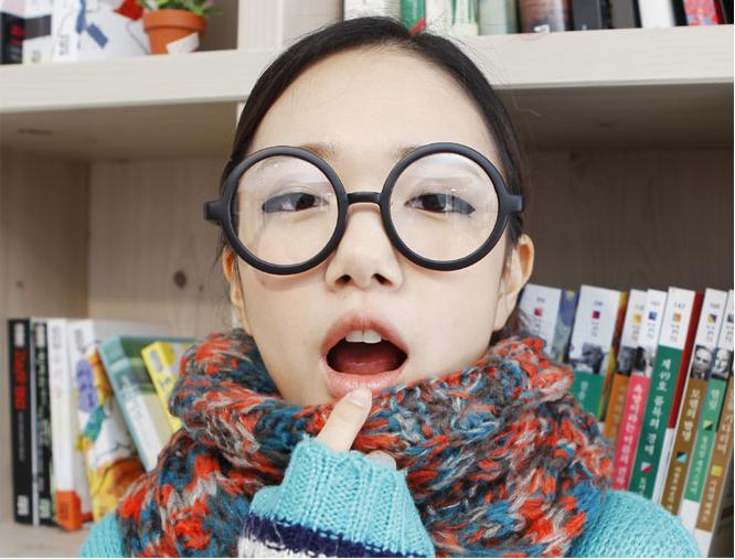 แว่นตาแฟชั่นเกาหลี วงกลมสีดำด้าน (พร้อมเลนส์)