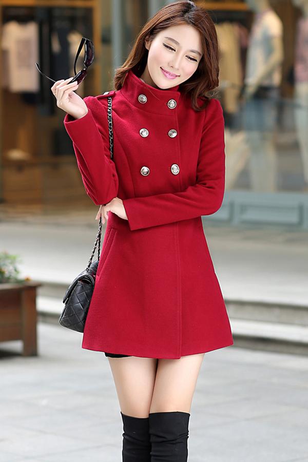 เสื้อโค้ทแฟชั่น พร้อมส่ง ตัวยาว สีแดง แต่งกระดุม 2 แถว ดีเทลคอเสื้อเก๋ๆ ใส่ไปต่างประเทศได้