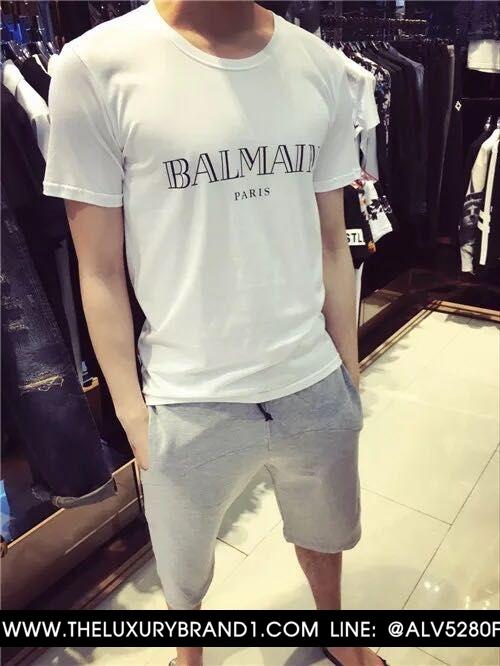 เสื้อ BALMAIN T-SHIRT LOGO เสื้อยืด สกรีน โลโก้ BALMAIN ตรงด้านหน้าของตัวเสื้อ สินค้ามีป้ายแท็ก และ ติดป้ายแบรนด์ BALMAIN PARIS แบบ ของแท้ 5