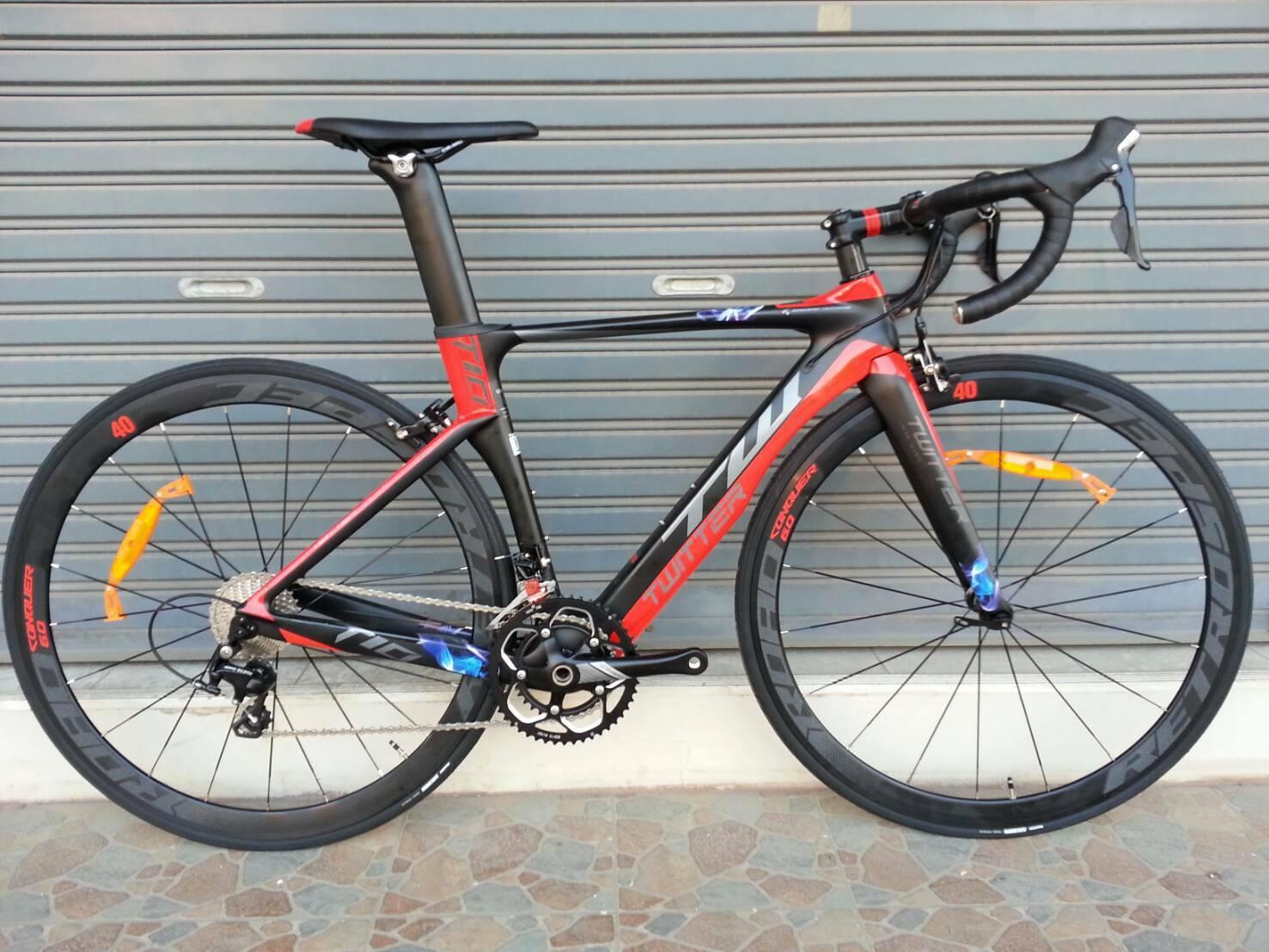 จักรยานเสือหมอบ Twitter T10 เฟรม Carbon สีดำแดง ชุดเกียร์ Shimano 105 22 Speef ไม่กรุ๊ปเซ็ต ดุมล้อแบริ่ง กระโหลกกลวง Pressfit