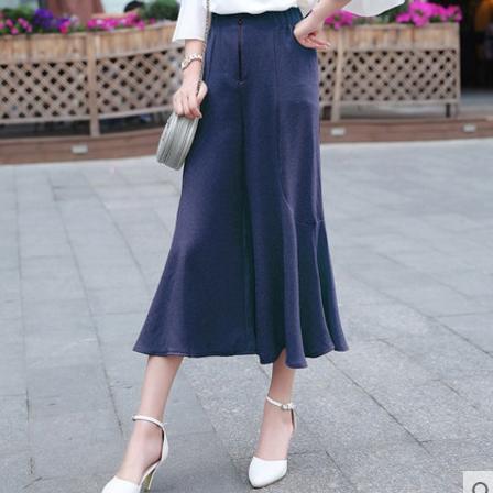 กางเกงขากว้างสีน้ำเงินกรมท่า ผ้าชีฟองเนื้อทราย เอวยืด