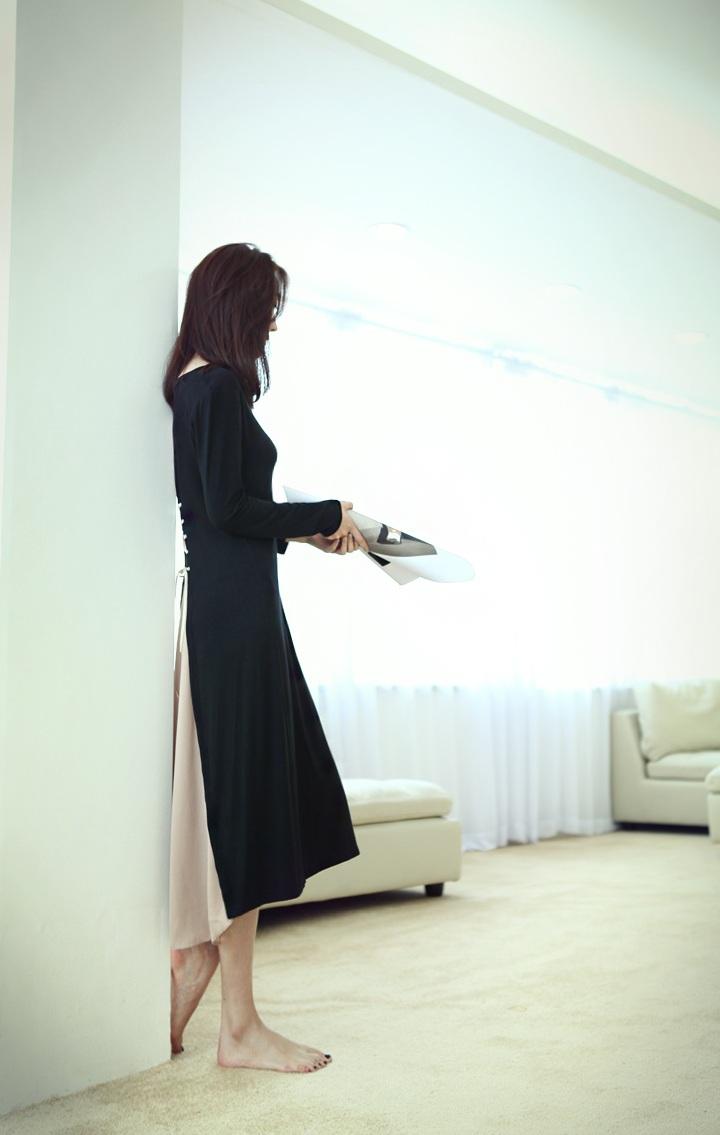 **พรีออเดอร์** ชุดเดรส 2 ชิ้น ผู้หญิงแฟชั่นยุโรปใหม่ แขนยาว ถักโบว์ด้านหลัง แบบเก๋ เท่ห์ / **Preorder** New European Fashion Knitting Long-Sleeved 2 Pieces Dress