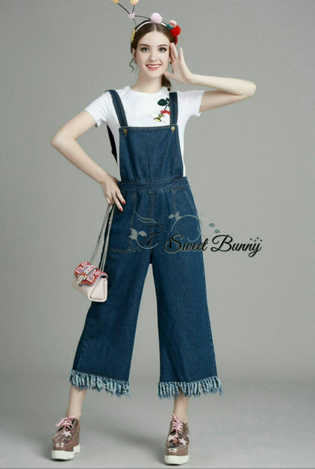 Sweet Bunny Present... Bee and cherry tee with waving overall set