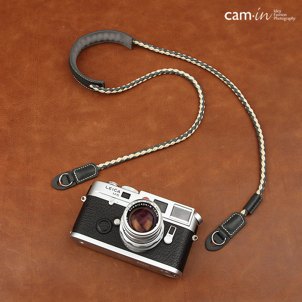สายคล้องกล้องผ้า แผ่นรองคอหนังแท้เส้นเล็ก Cam-in แบบถัก Two Tone สีเทา