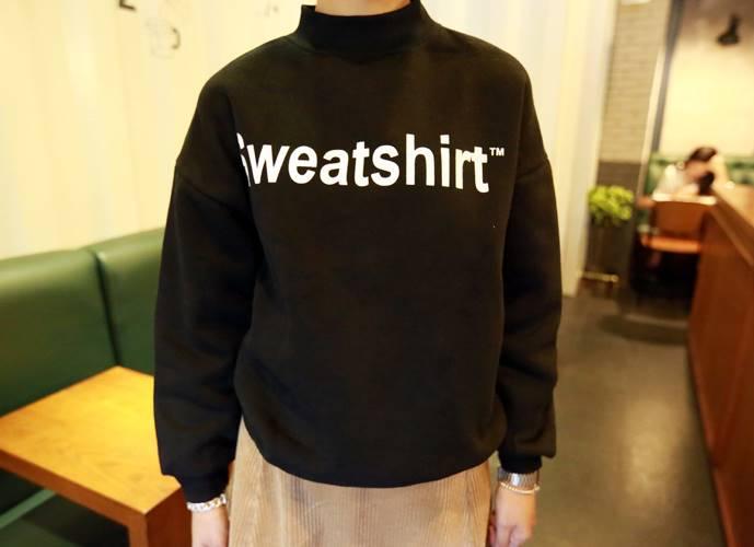 เสื้อแฟชั่น แขนยาว ลาย Sweatshirt สีดำ