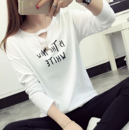 เสื้อแฟชั่น คอกลมเปิดsexy แขนยาว ลาย The new white สีขาว