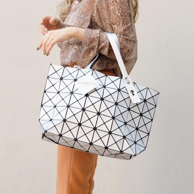 กระเป๋าสะพายแฟชั่น กระเป๋าสะพายข้างผู้หญิง Bao Bao 7*8 Logo สีด้าน [สีเทา]