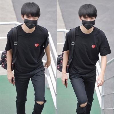 เสื้อยืดแขนสั้นเกาหลี TFBOYS แต่งรูปหัวใจ มี2สี