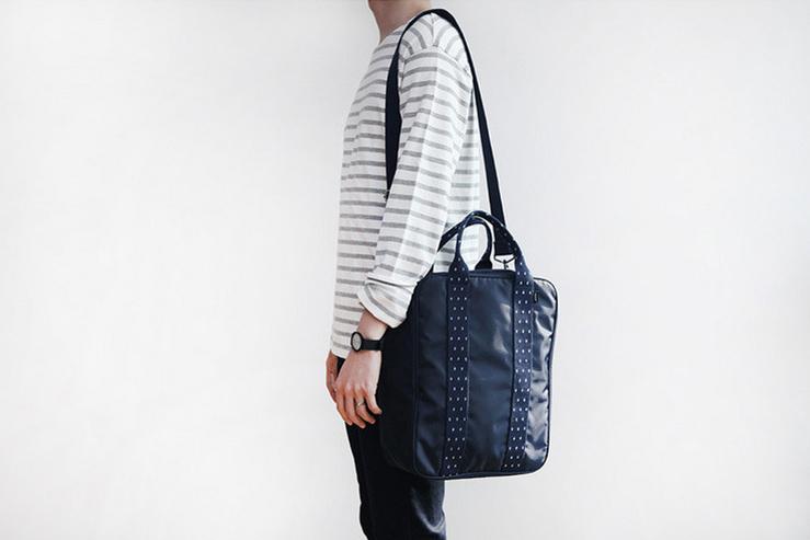 กระเป๋าสะพาย สำหรับใส่เสื้อผ้าเดินทาง
