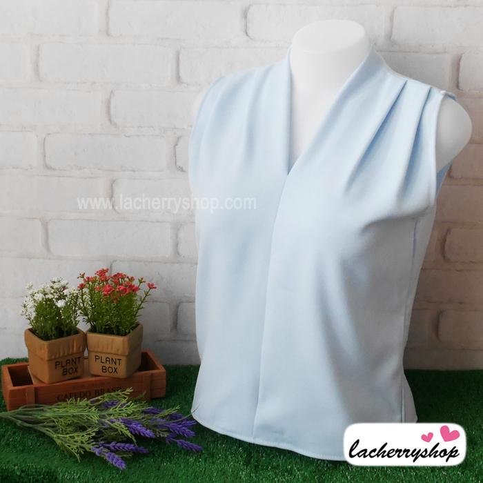 เสื้อผ้าแฟชั่น เสื้อทำงาน ผ้าฮานาโกะ สีฟ้าอ่อน แขนกุด จับจีบช่วงไหล่แต่งทรง สวยเรียบหรู ใส่ได้ทุกโอกาส