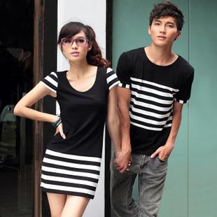 เดรสคู่รักเกาหลี แฟชั่นคู่รัก ชายเสื้อยืด+ หญิงเดรสแขนสั้น สีดำ แต่งลายขาวดำ +พร้อมส่ง+