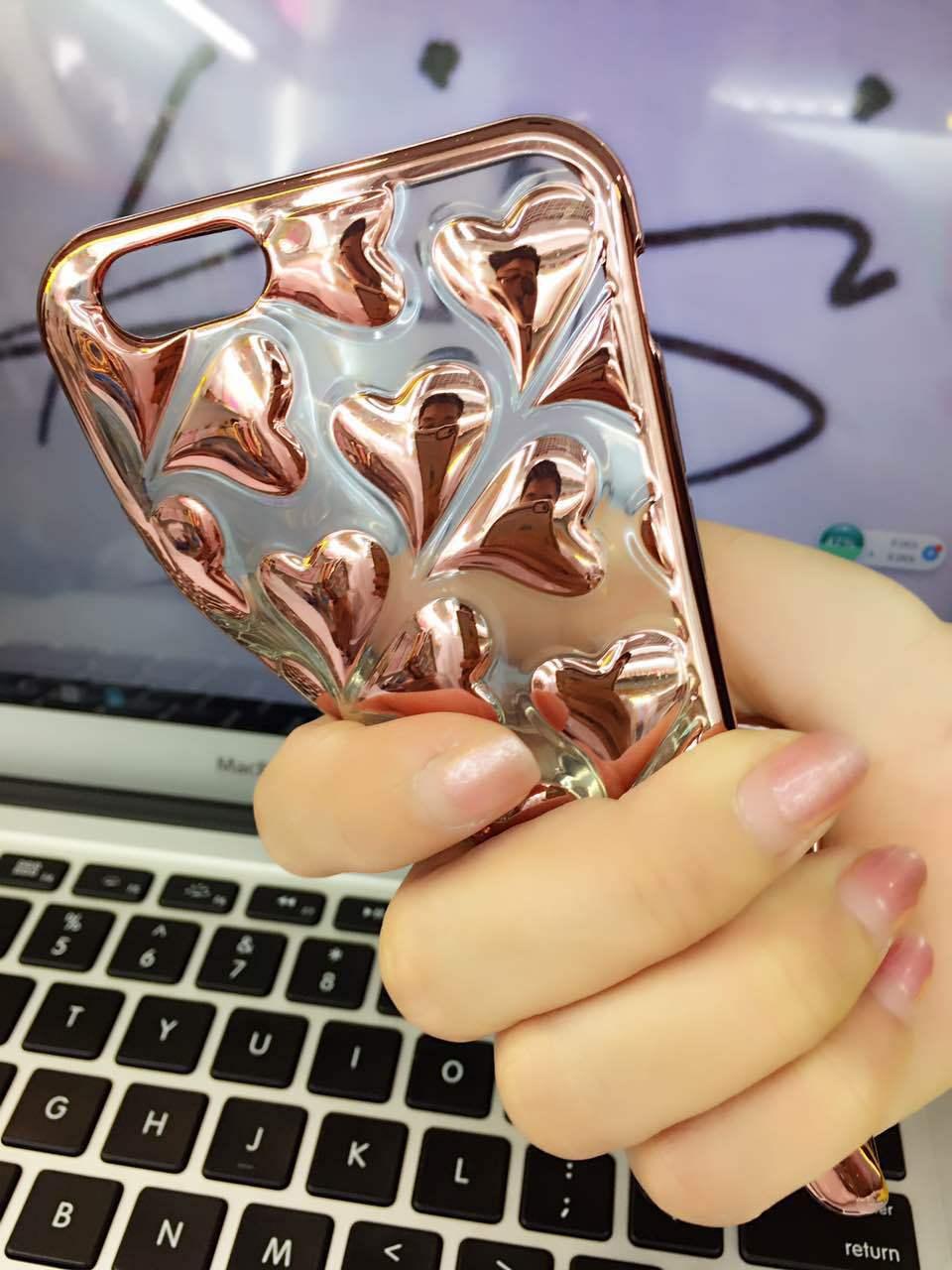 เคสนิ่มสีคาร์บอน ลายหัวใจไอโฟน 6/6s 4.7 นิ้ว