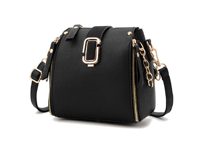 กระเป๋าถือ mustard style (สี black)