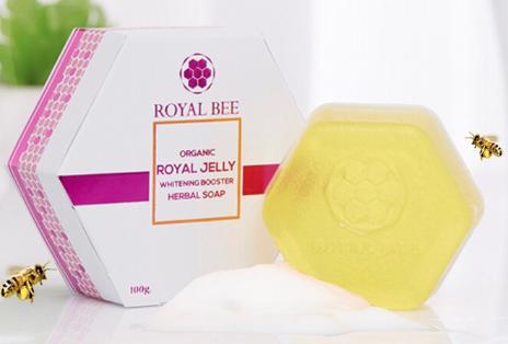 สบู่นมผึ้ง ORGANIC ROYAL JELLY WHITENING BOOSTER HERBAL SOAP