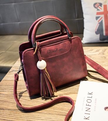 กระเป๋าถือ Lotte bag (red)
