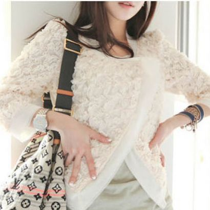 เสื้อคลุมสีขาวสวยหรูแต่งกุหลาบ