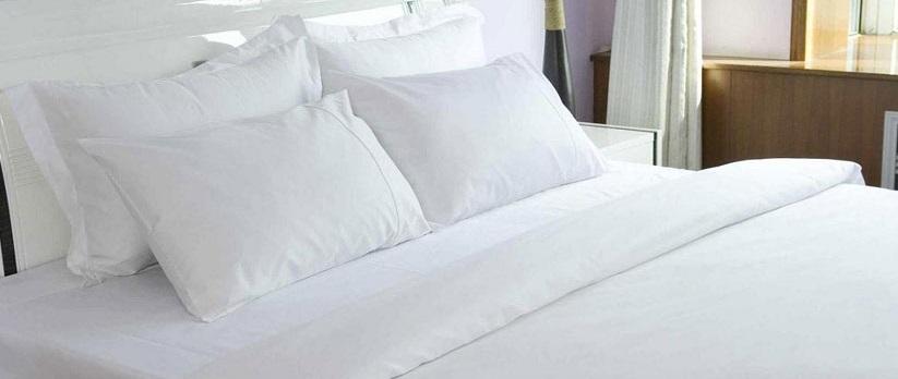 ผ้าปูที่นอน ไม่รัดมุม ผ้าCotton100% 250เส้นด้าย สีขาว 110*110นิ้ว 1ชิ้น ผืนละ 540 บาท ส่ง 40ผืน