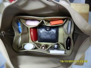 ช่องจัดระเบียบกระเป๋า Longchamp