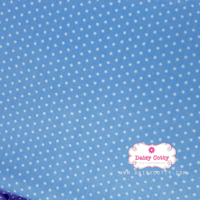 ผ้าคอตตอนไทย 100% 1/4 ม.(50x55ซม.) พื้นสีฟ้า ลายจุดเล็ก
