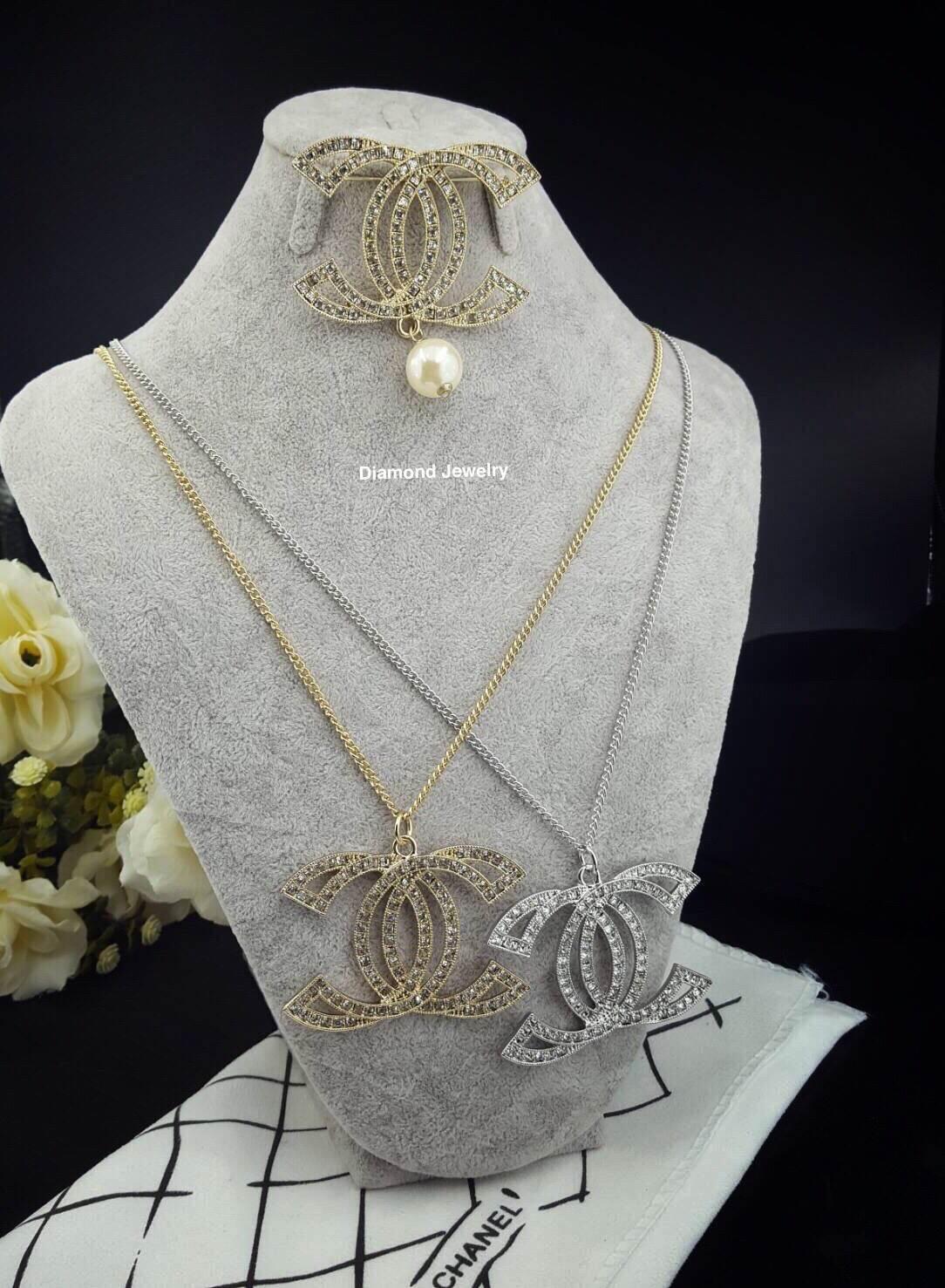 พร้อมส่ง Chanel Necklace & Brooch งานเพชร Swarovski