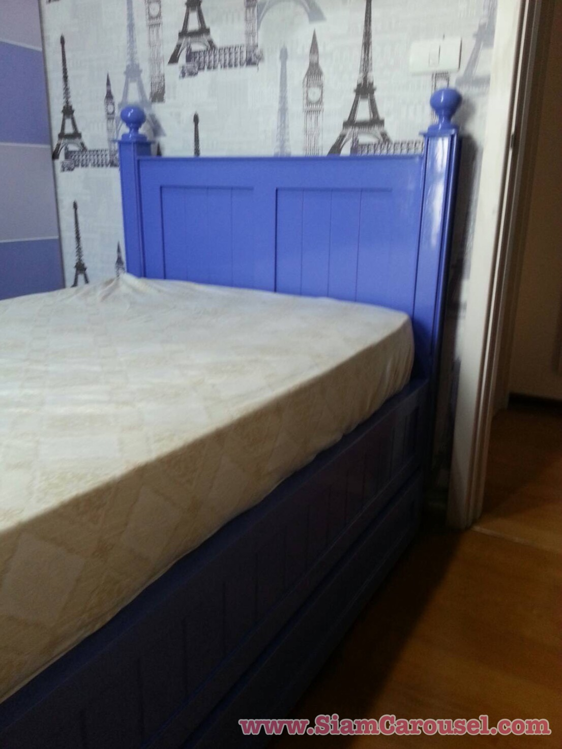 เตียงสองชั้นเตี้ย ขนาด 3 x 6.5 ฟุต ทำสีม่วงตามที่ลูกค้าเลือก ของคุณขวัญ คอนโดแถววงเวียนใหญ่
