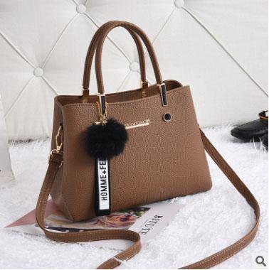 พร้อมส่ง กระเป๋าถือและสะพายข้างผู้หญิง แฟชั่นเกาหลี รหัส KO-802-สีกากี 1 ใบ *แถมจี้ป๋อม