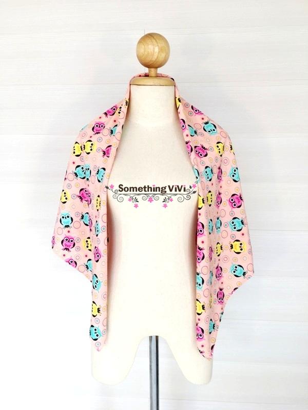 ผ้าพันคอ/ผ้าคลุมไหล่/ผ้าคลุมให้นม รุ่น Vivant Little Owls (Size L) สี Pink Balloon ผ้าพันคอไหมอิตาลี ผ้าลื่นๆ คลุมสบาย มีลายเป็นรูปนกฮูกคละกันสามสี มีสีเหลือง ชมพูและฟ้า ลายน่ารักมาก ด้วยตากลมๆ โตๆ ของนกฮูกสายแบ๊วเห็นแล้วต้องหลงไหลอย่างแน่นอน สวยมาก พร้อม
