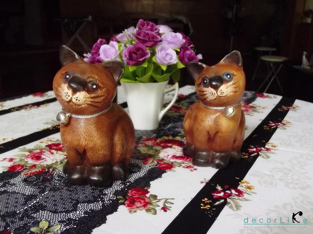 ตุ๊กตาไม้แกะสลักแมวไทย นั่งคู่